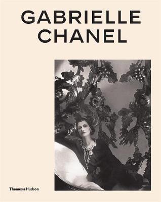 Miren Arzalluz   Gabrielle Chanel: Fashion Manifesto   9780500023464   Daunt Books